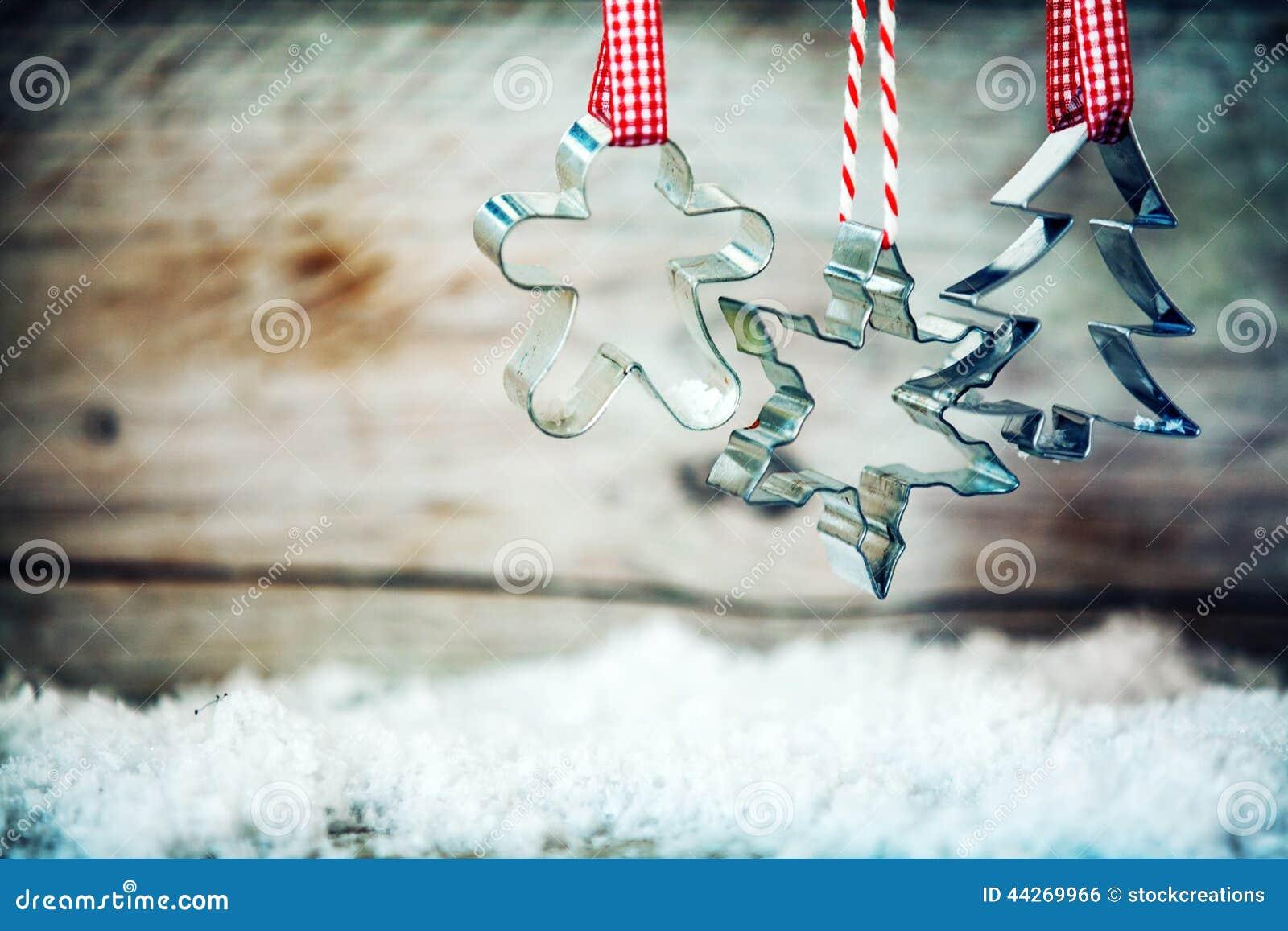 Lantliga Xmas-kakaskärare med vintersnö
