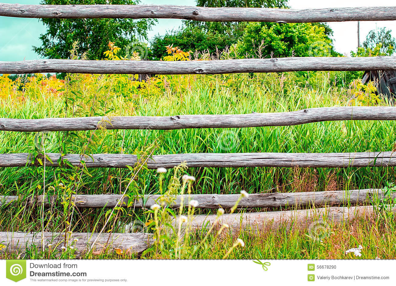 Lantligt staket