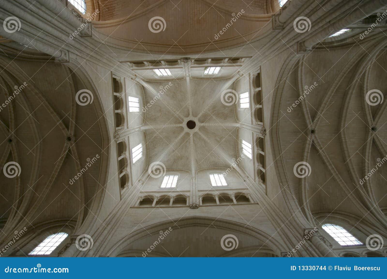 Laon kościelnego transeptu kościelny skrzyżowanie