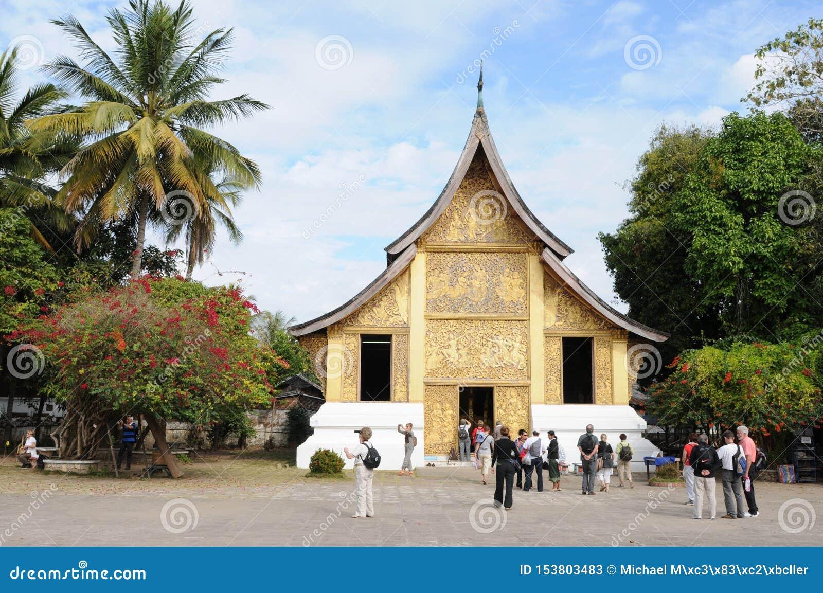 Laos del norte: El templo de Wat Xieng Thong en la ciudad de Luang Brabang