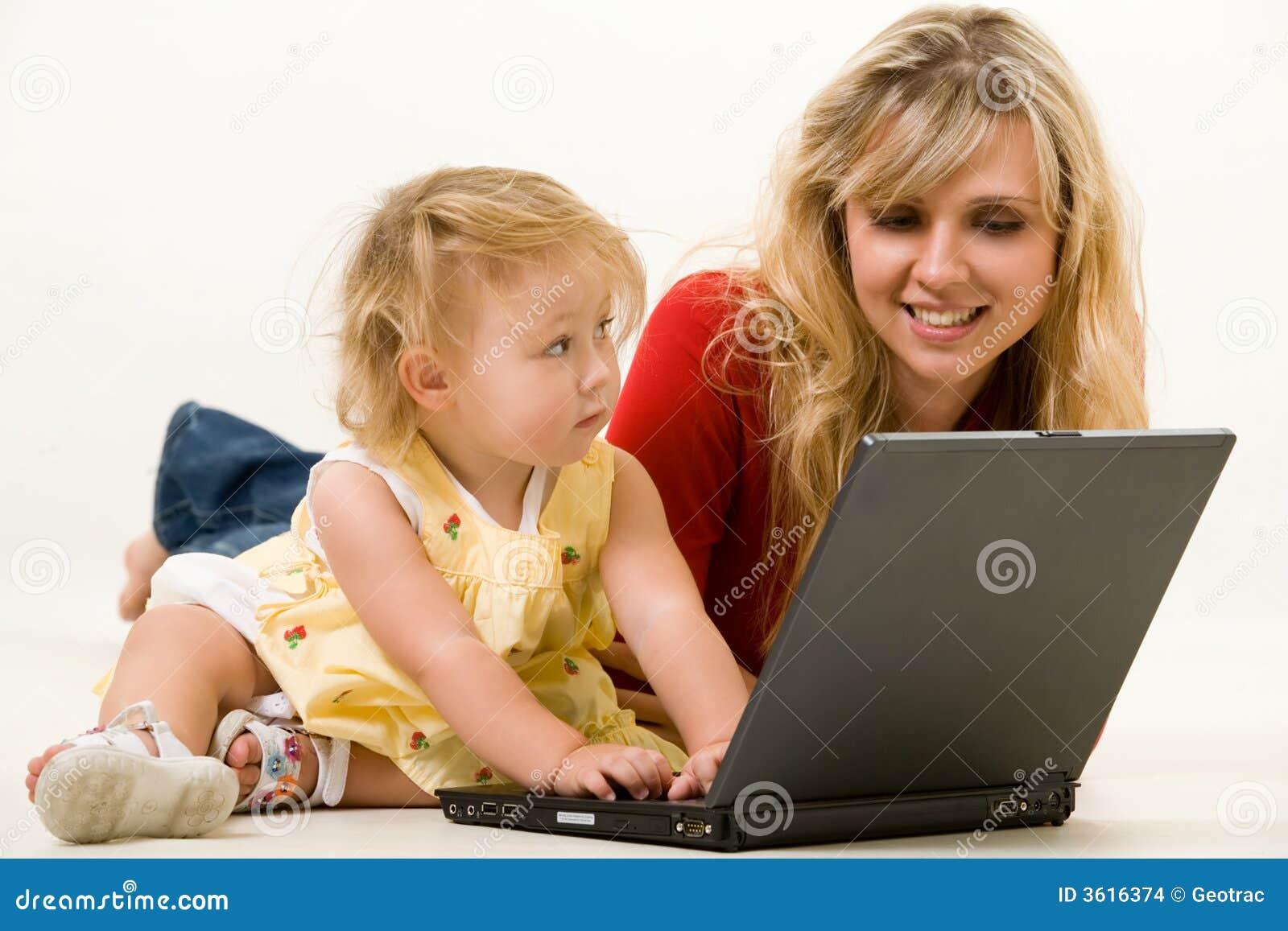Lap-top μωρών mom
