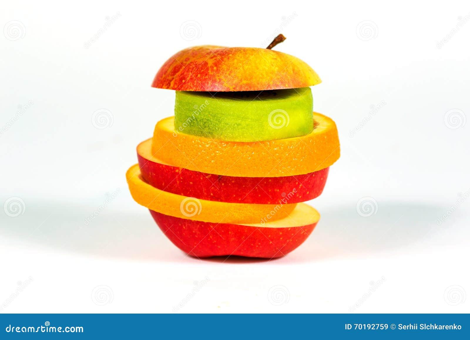 Lappar äpplet för ny frukt, apelsinen, kiwi på vit bakgrund