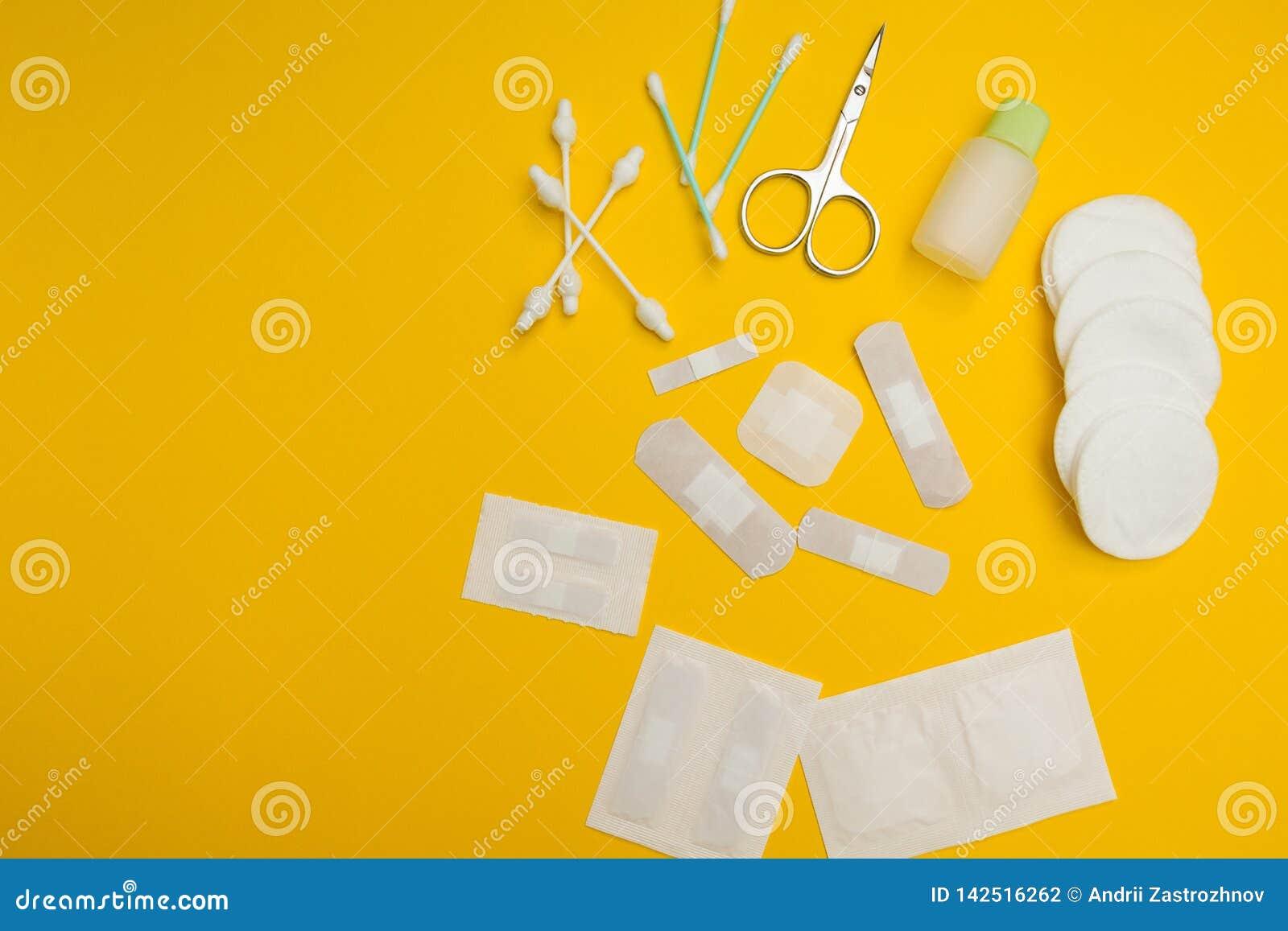 Lapparna av olika format och former för behandling av ull- och hudorganskador