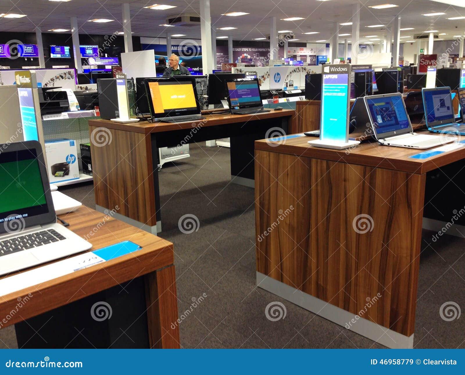 Laptop computer voor verkoop in een opslag