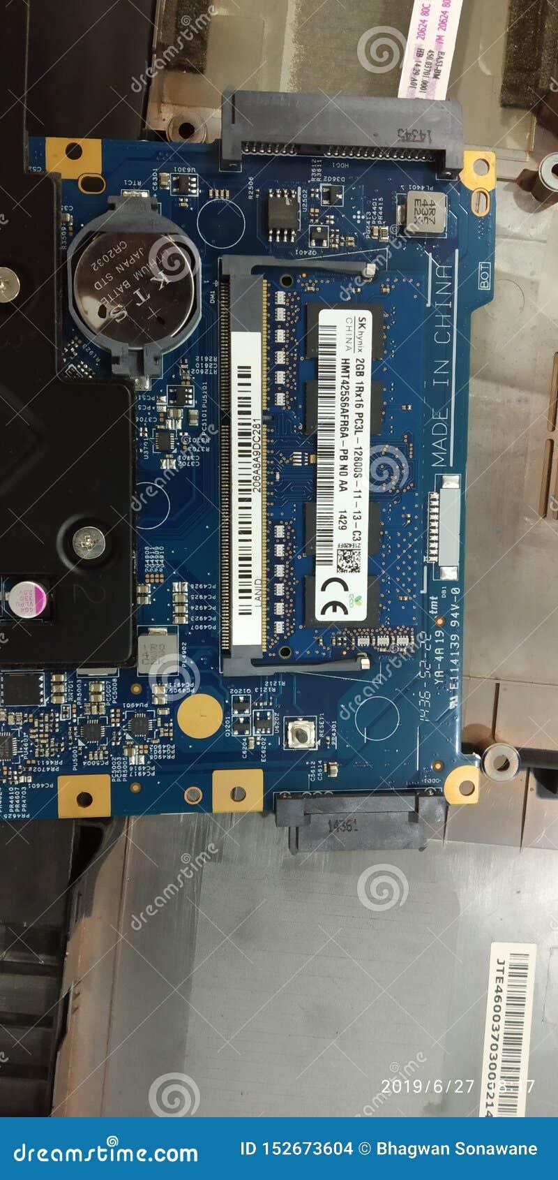 Laptop motherboard met ramsverbetering aan maximum toen PB van 8gb