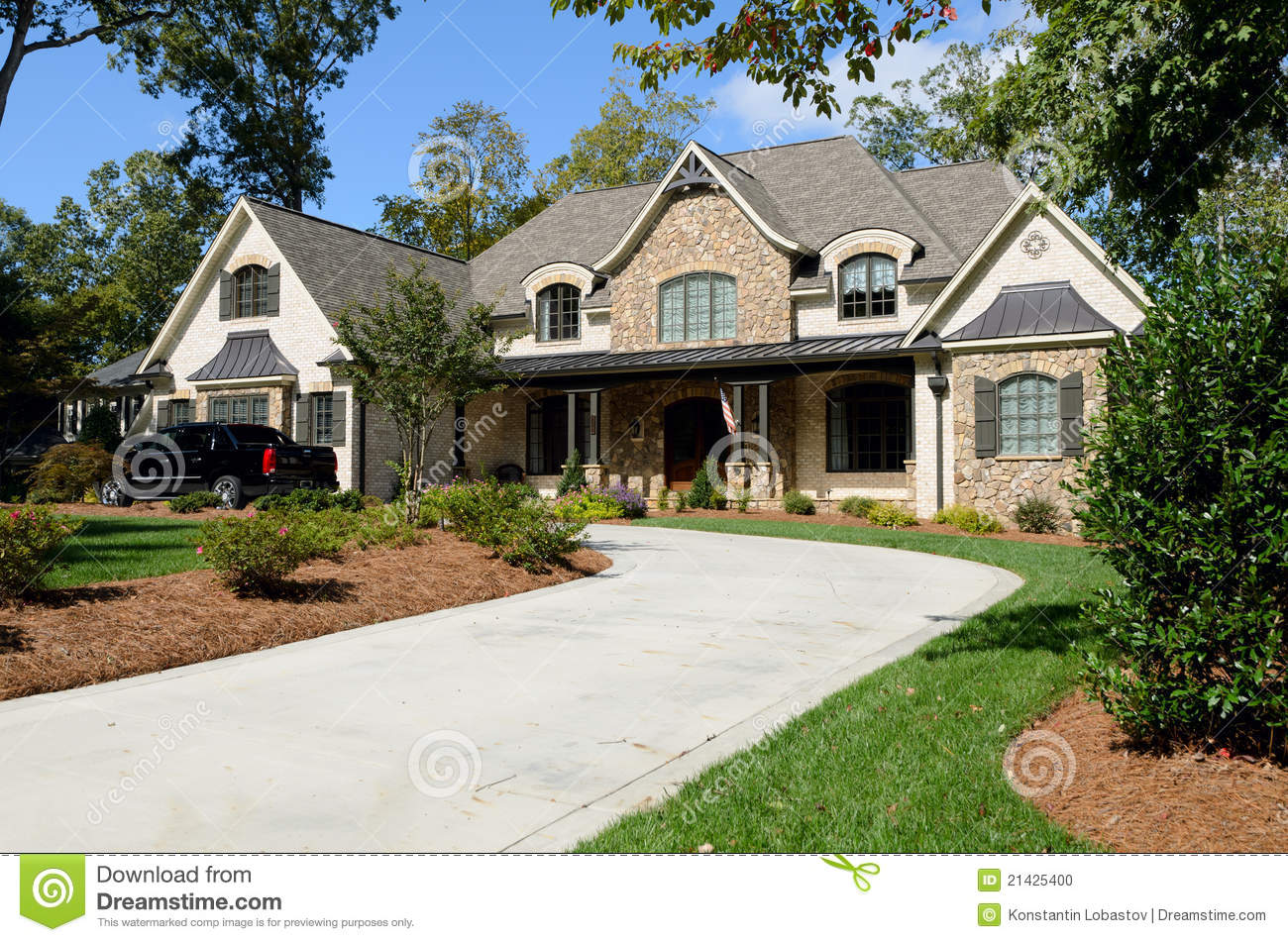 Large american house stock photo image 21425400 for Big houses in america
