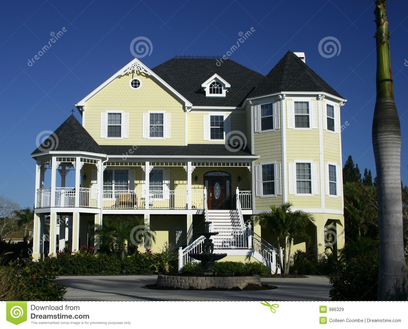 Large Country Home Near Beach Royalty Free Stock Images Image 986329