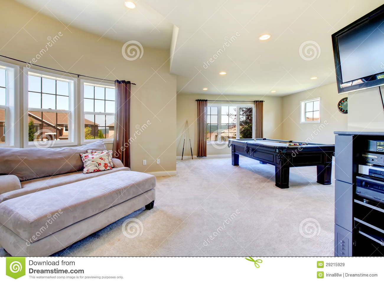 Large Family Room With Pool Table And Tv Royalty Free Stock Images