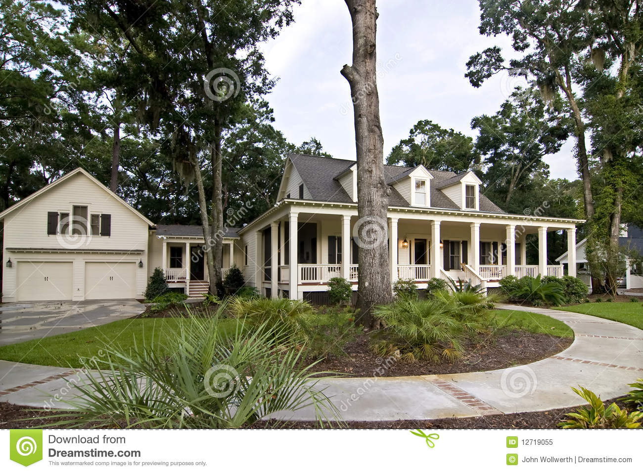 Large luxury home royalty free stock photo image 12719055 for Free luxury home images