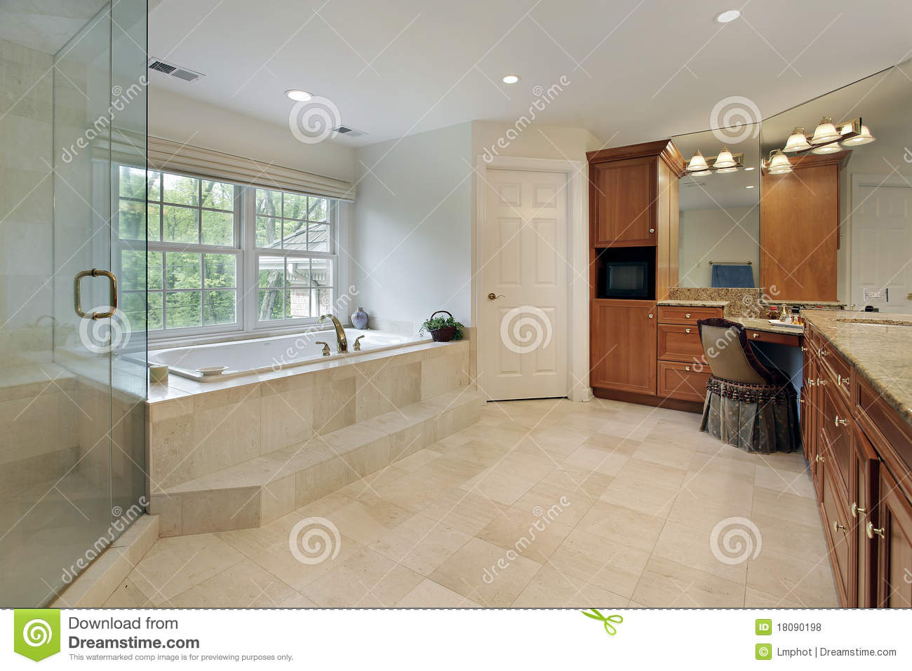 Large master bath royalty free stock photos image 18090198 for Large master bathroom