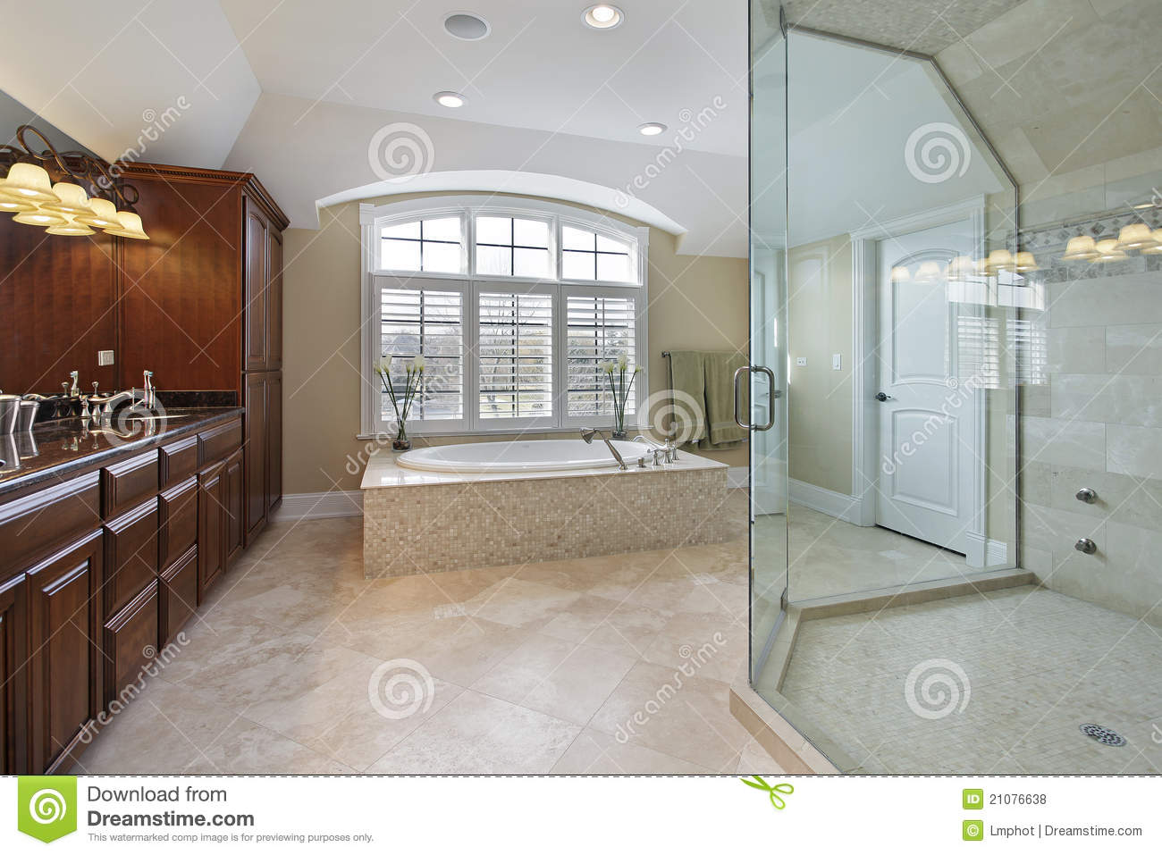 Large master bathroom royalty free stock photos image for Huge master bathroom