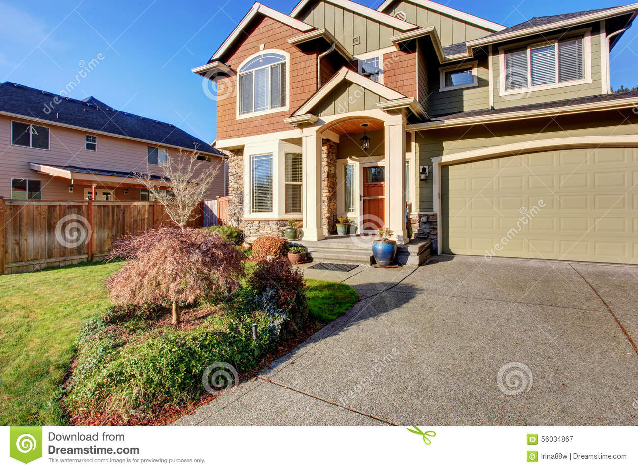 Large Modern House With Driveway And Garage Stock Image