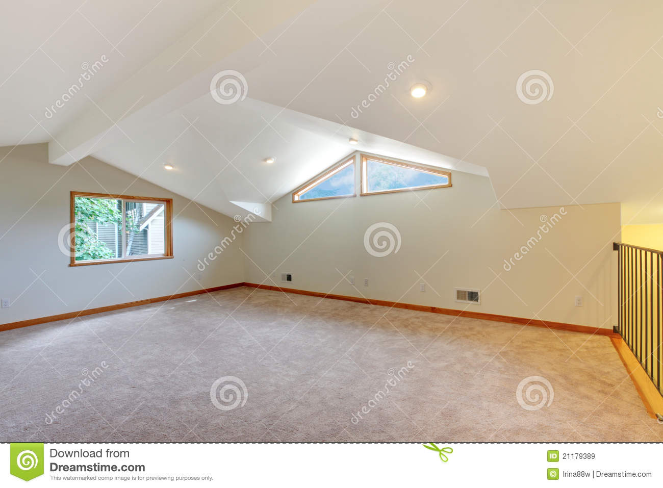 Large new room with beige carpet