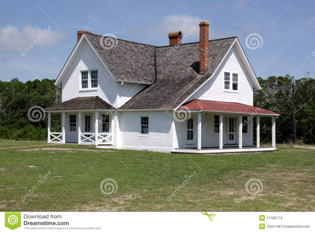Large old colonial style house stock images image 11185174 for Colonial house style
