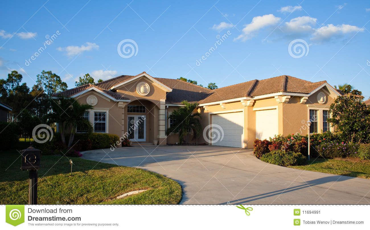 Large tropical house in florida stock image image 11694991 for Big houses in florida