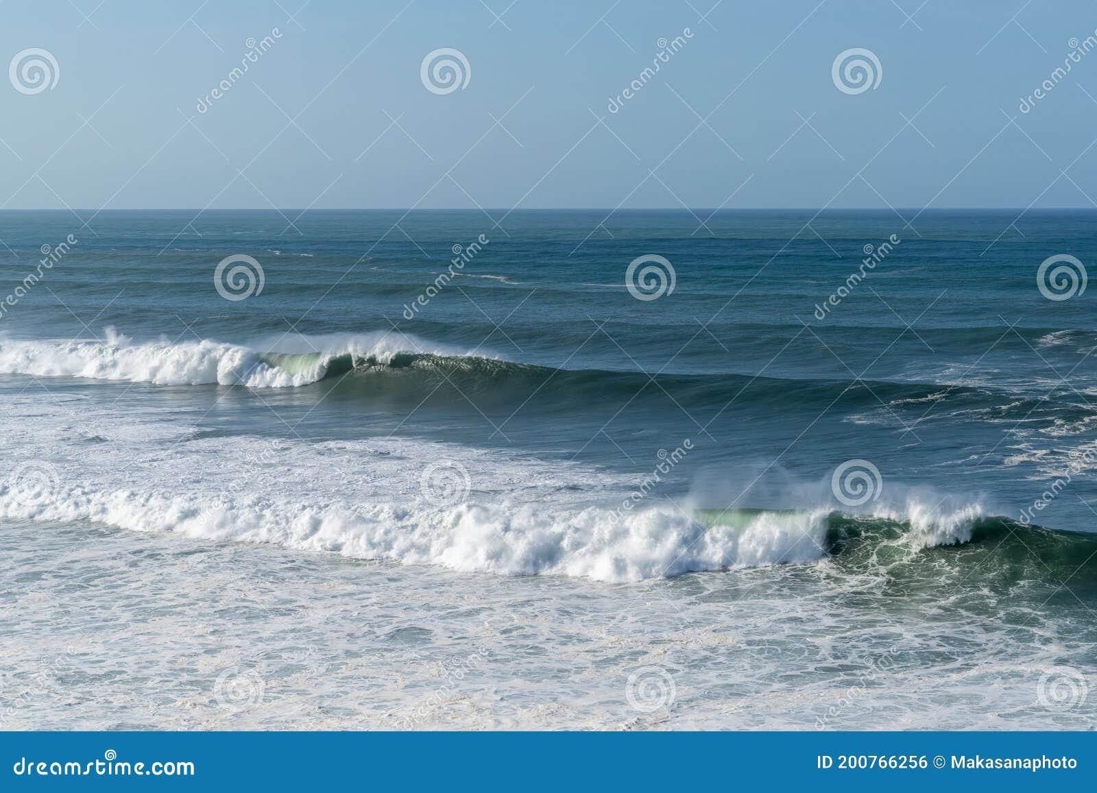 Large Wave Detail