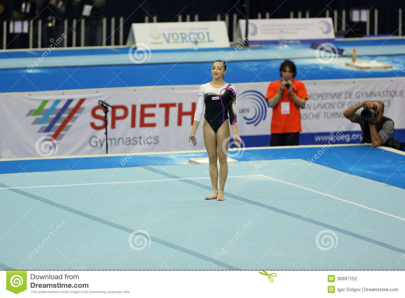 Larisa andreea iordache editorial photography image for Floor gymnastics