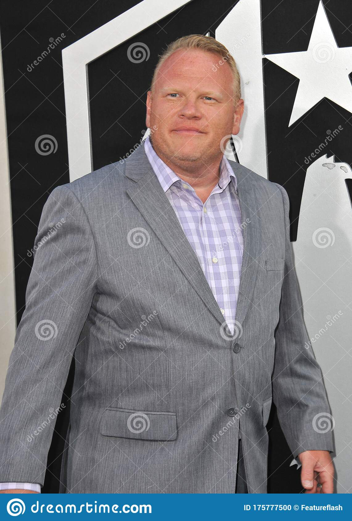 Larry Joe Campbell Editorial Image Image Of Fashion 175777500 Campbell is most known for his character andy in according to jim, hall pass, pacific rim, and wedding crashers. dreamstime com