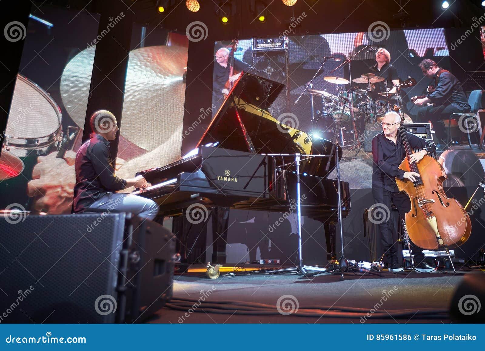 Lars Danielsson apresenta o programa de Liberetto 2 no formato do quarteto