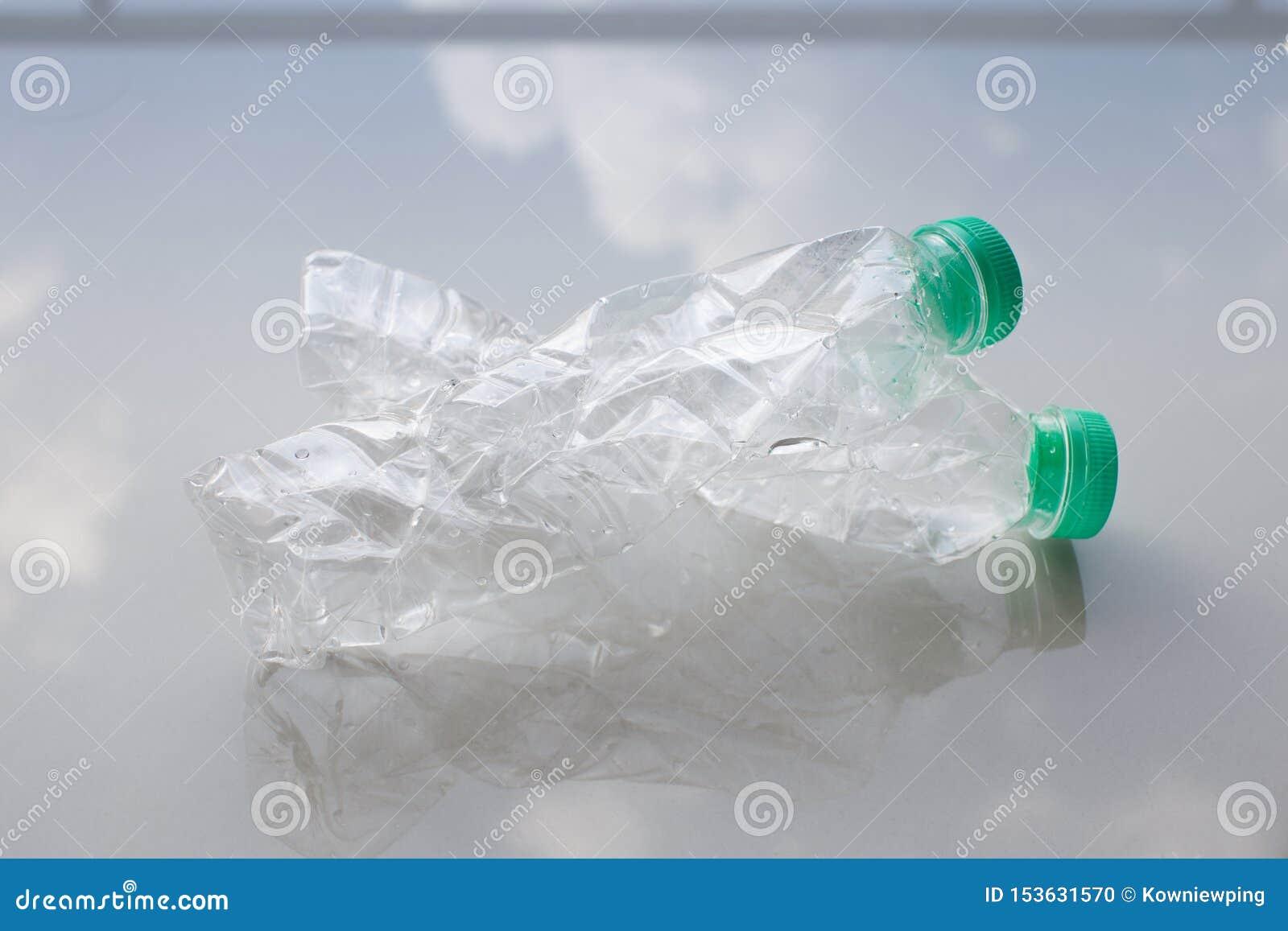 Las botellas pl?sticas para reciclan