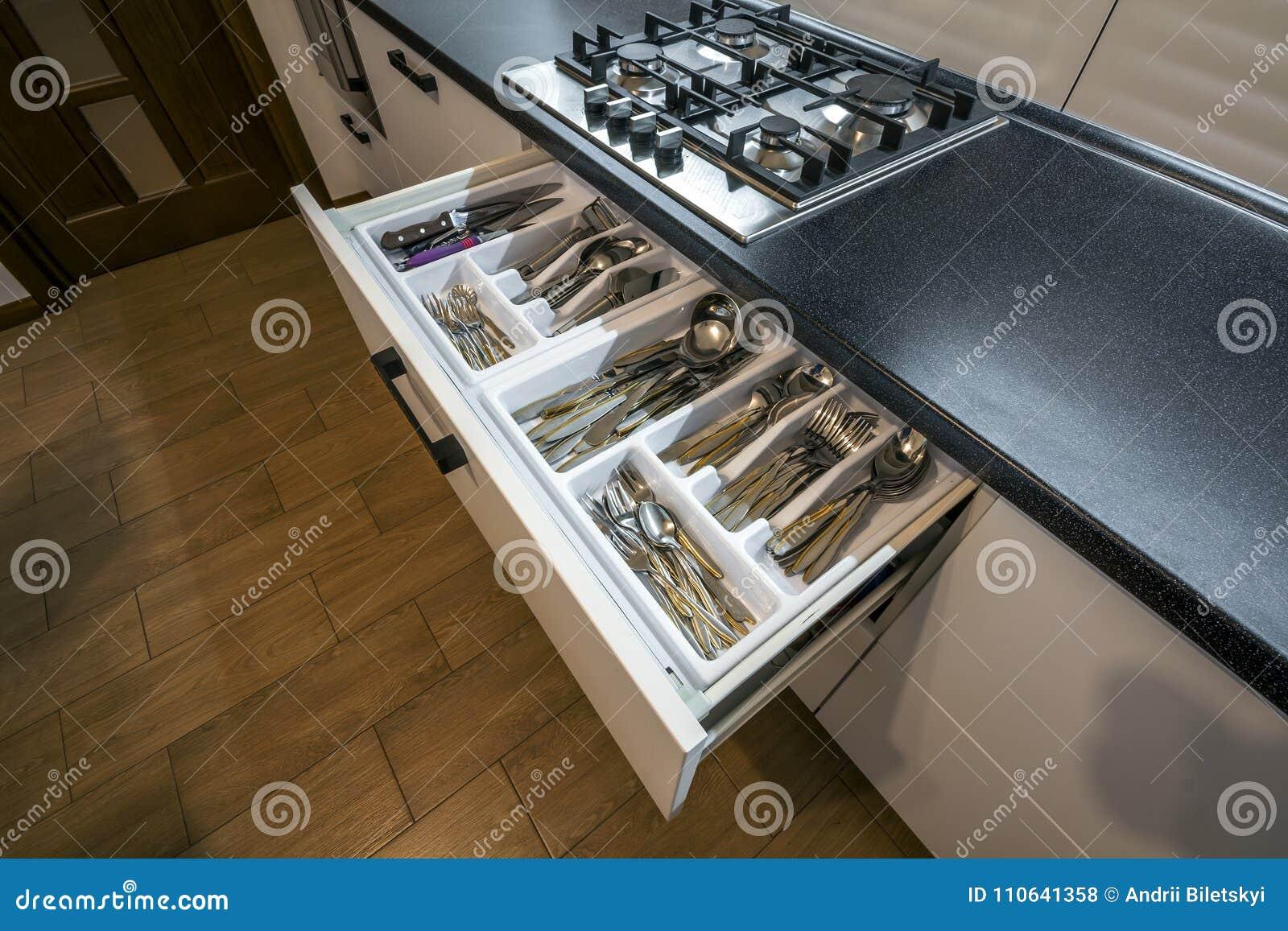 Famoso Armario De La Cocina Se Encarga De Acero Inoxidable Regalo ...