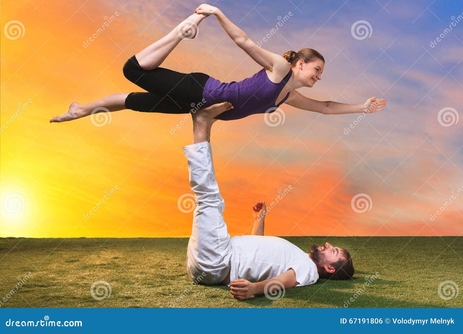 Featured image of post Fotos De Yoga De Dos Personas