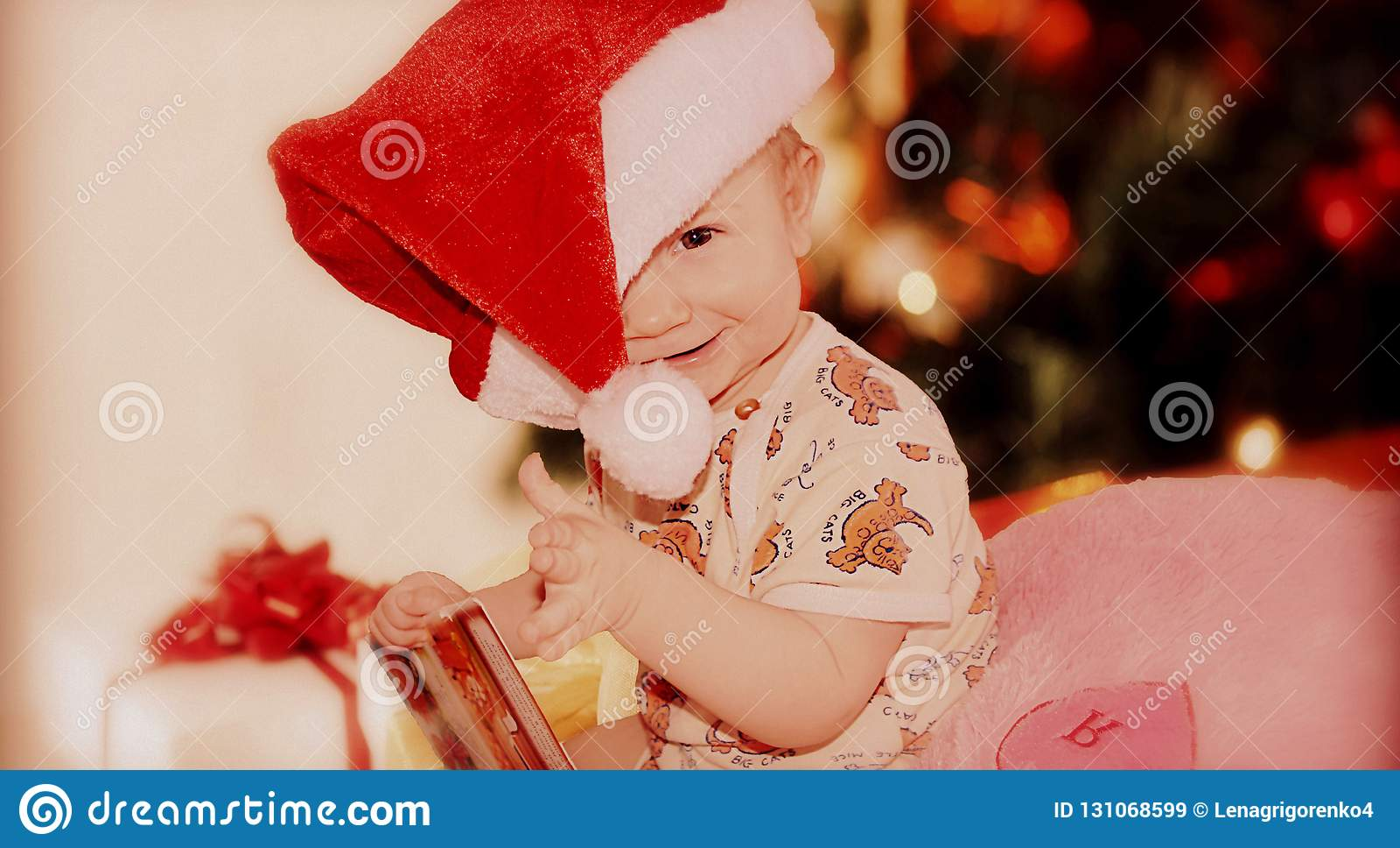 Las emociones de los niños antes del Año Nuevo o de la Navidad