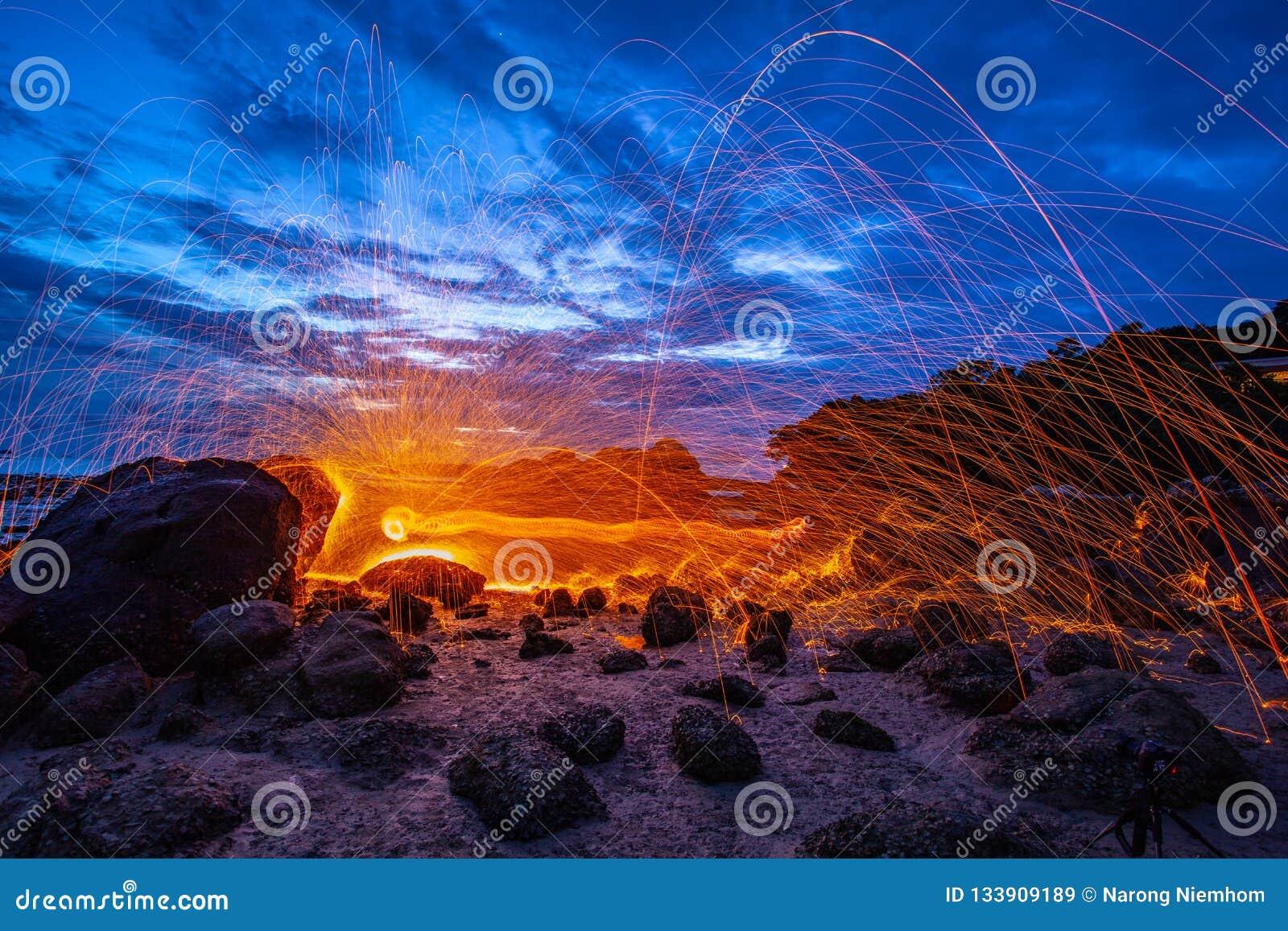 Las lanas de acero encienden el trabajo en la roca