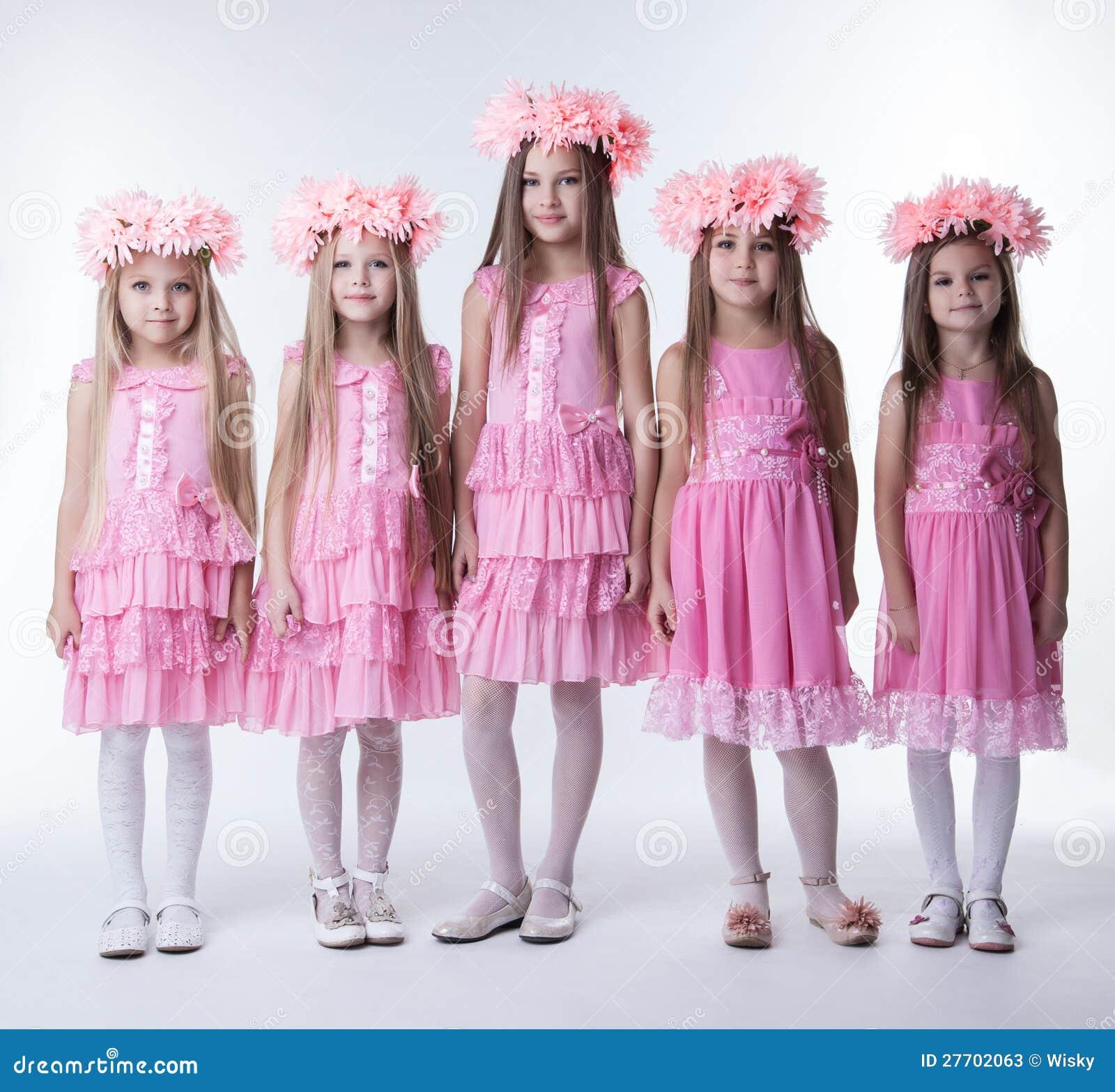 Lujoso Las Niñas Se Visten Para La Fiesta Modelo - Ideas de Vestido ...