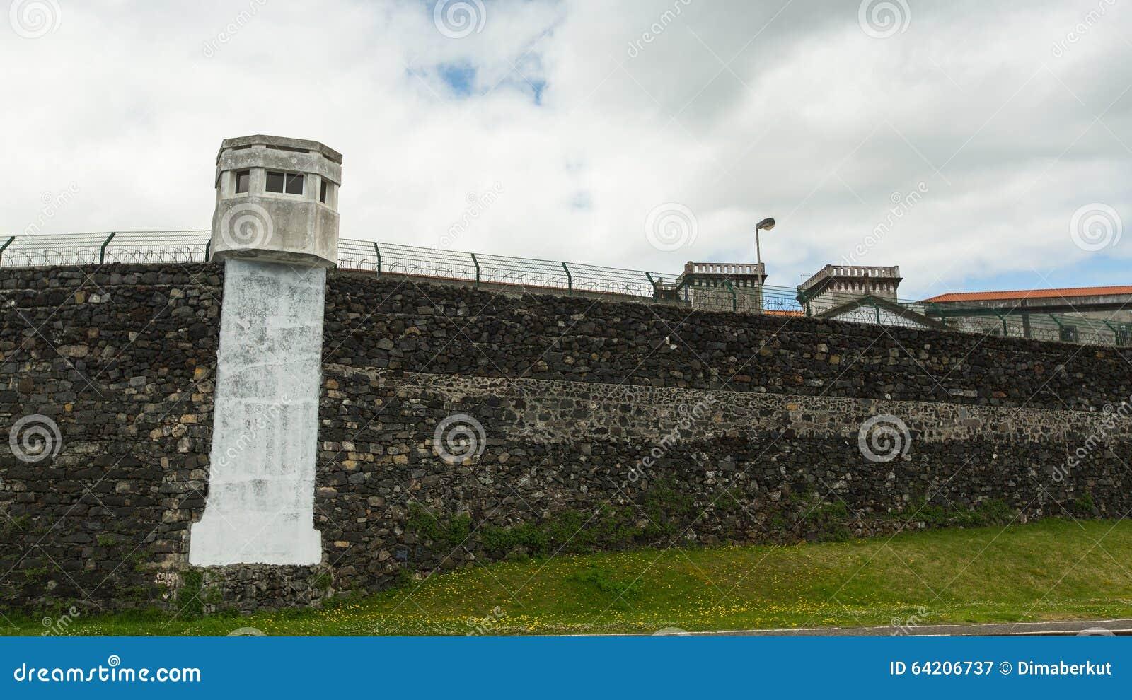 Las paredes de la prisión vieja Ponta Delgada
