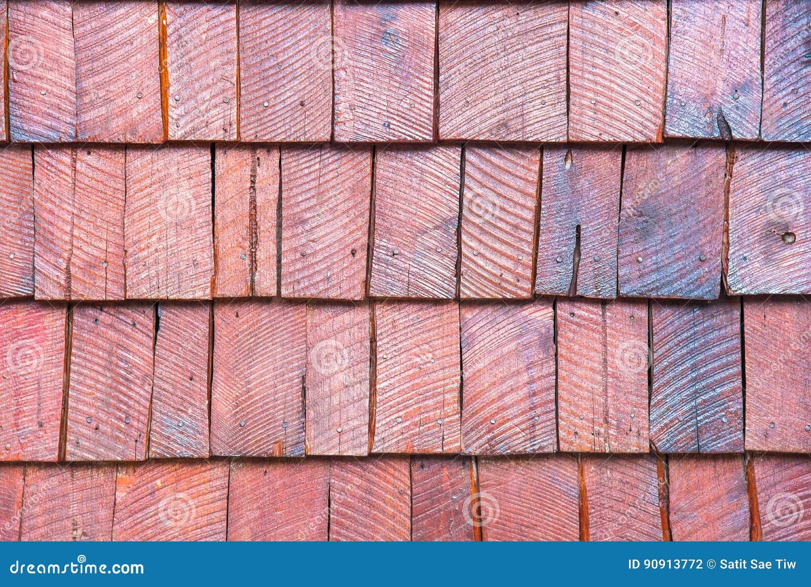 Las paredes se hacen de la madera