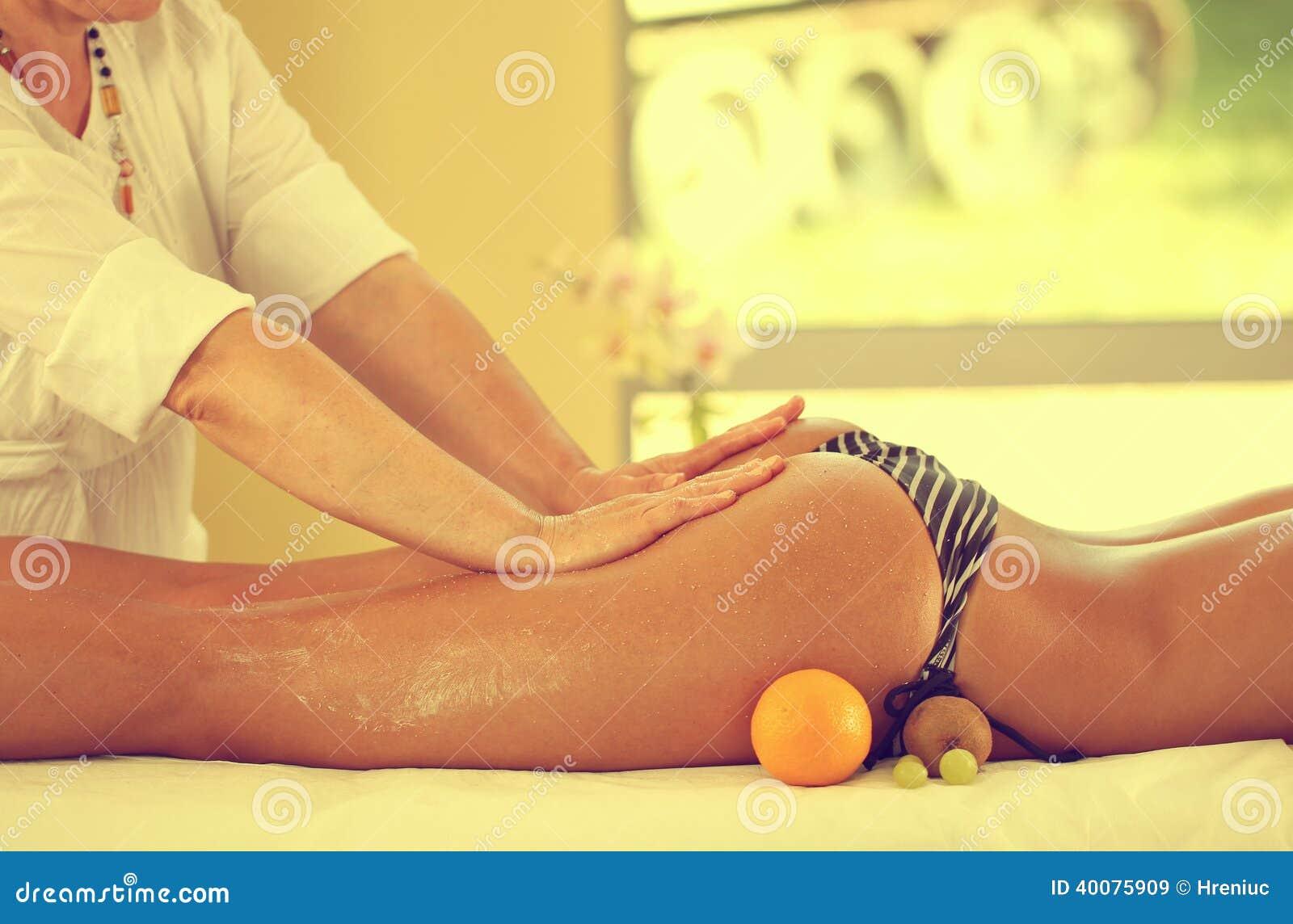 nalgas balmain erotic massage