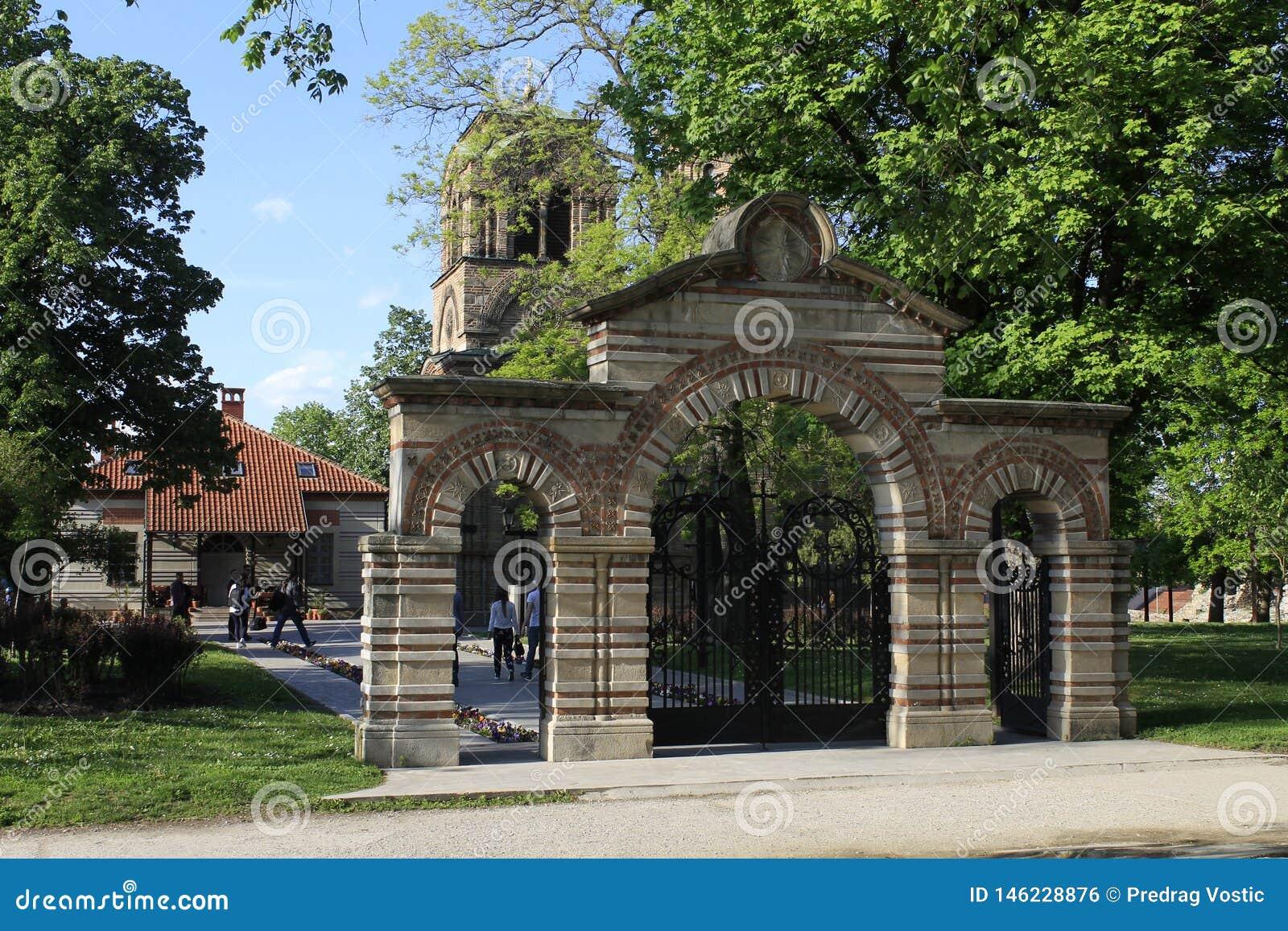 Las puertas de la iglesia Lazarica