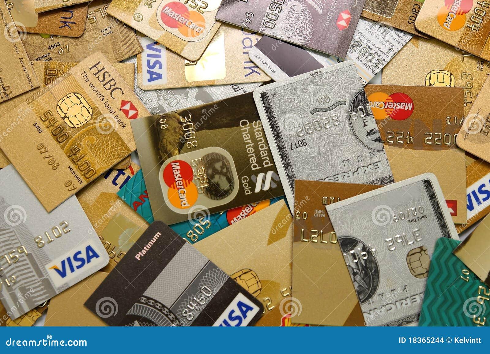Las tarjetas de crédito cortaron en mitad