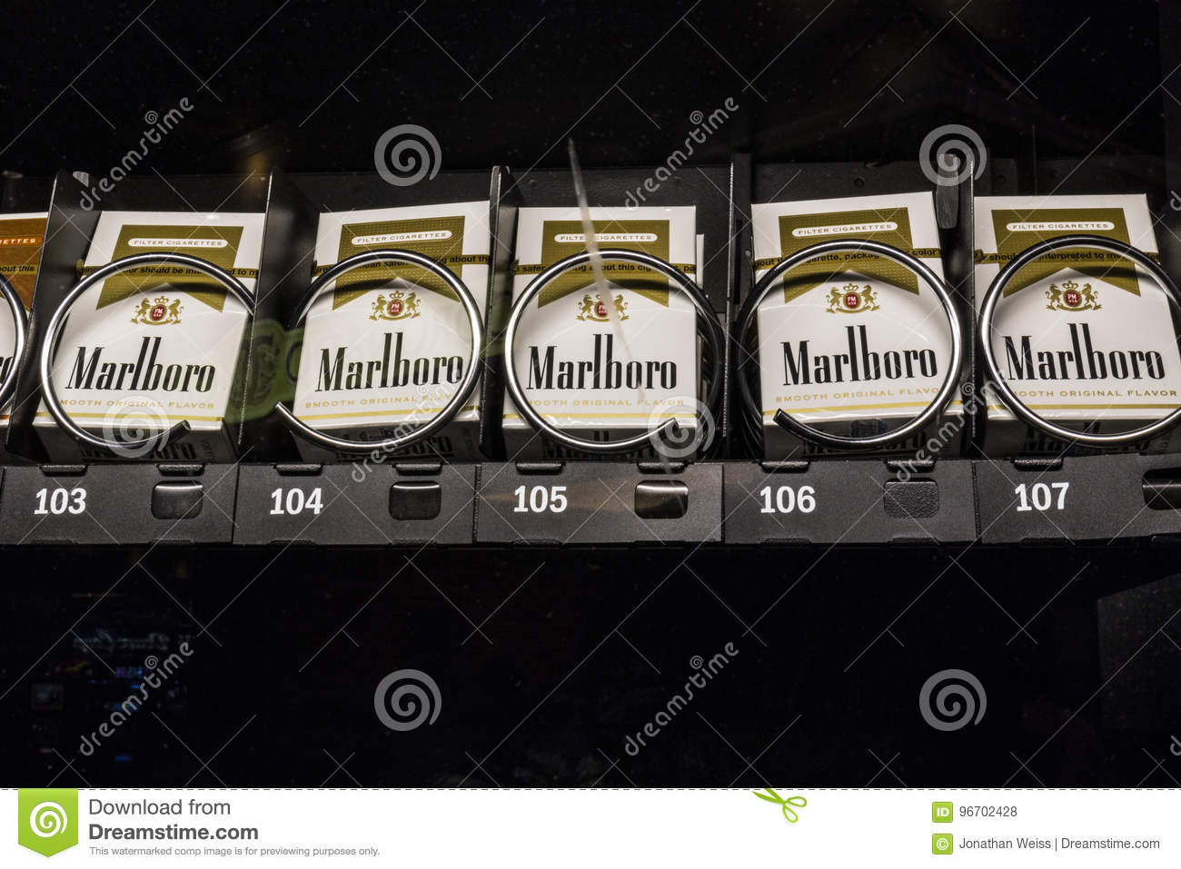 Buy cigarettes Marlboro USA California