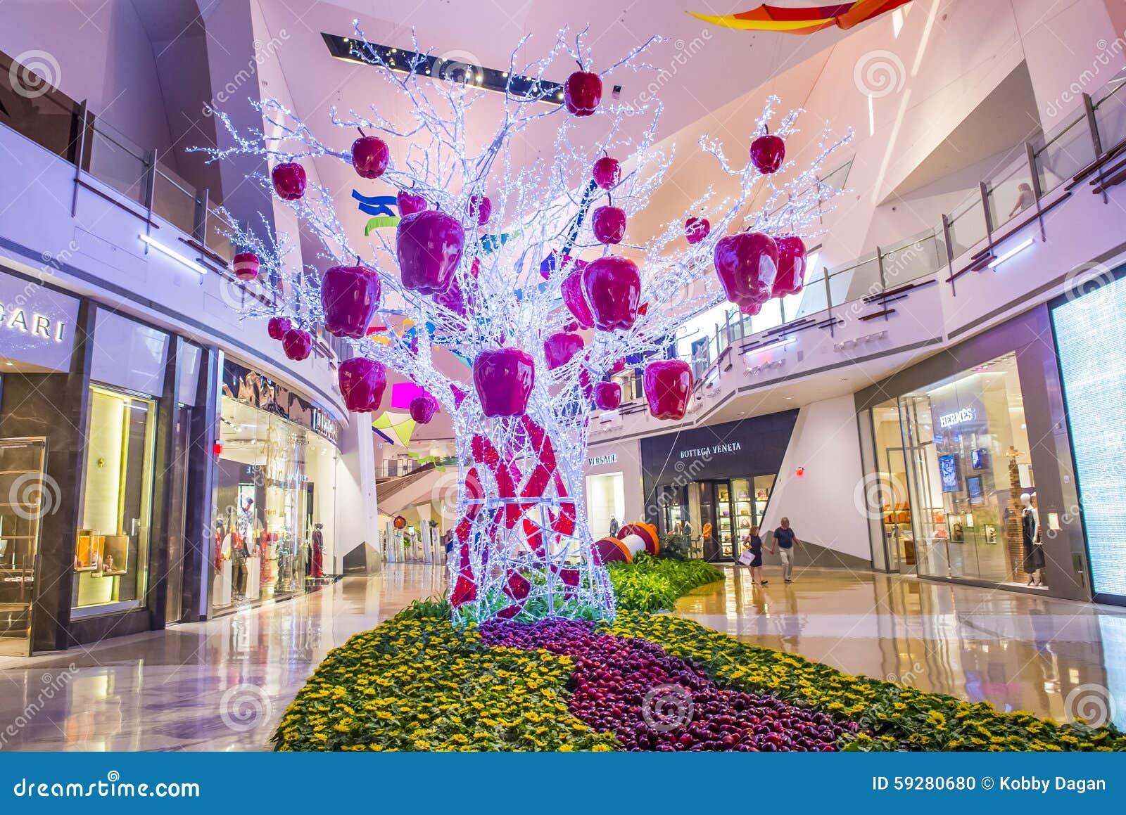 Las Vegas Crystals mall editorial image  Image of resort - 59280680