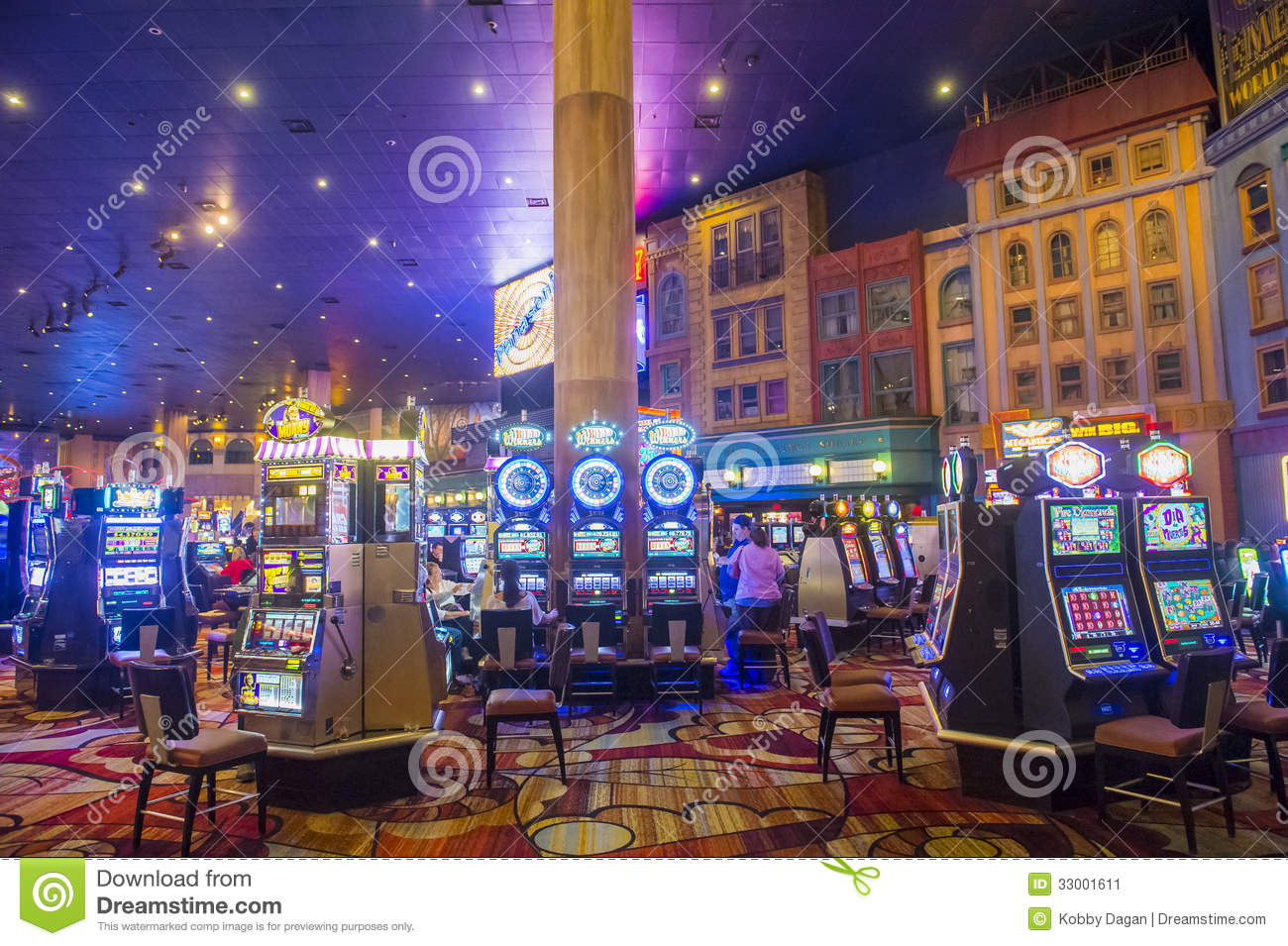 ... new-york-new-york-hotel-casino-february-hotel-simulates-real-new-york