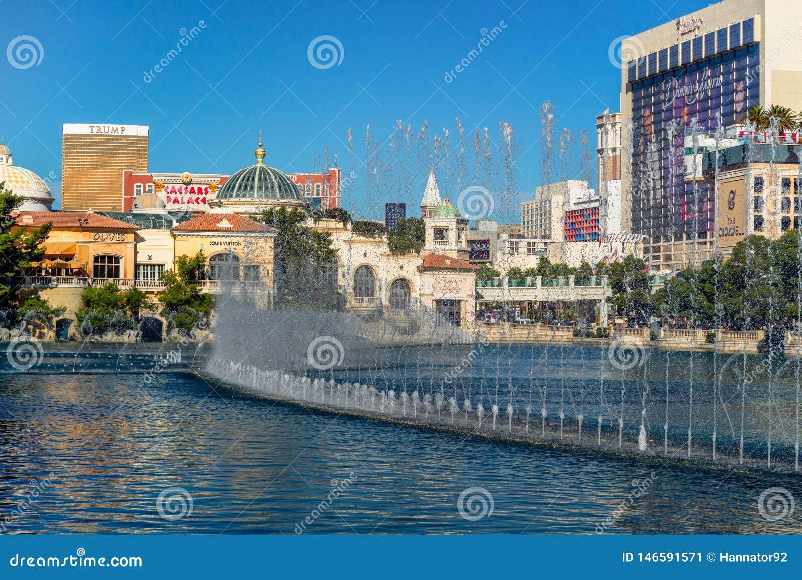 Las Vegas, fuente de Bellagio, hotel internacional del triunfo, y hotel y casino del flamenco