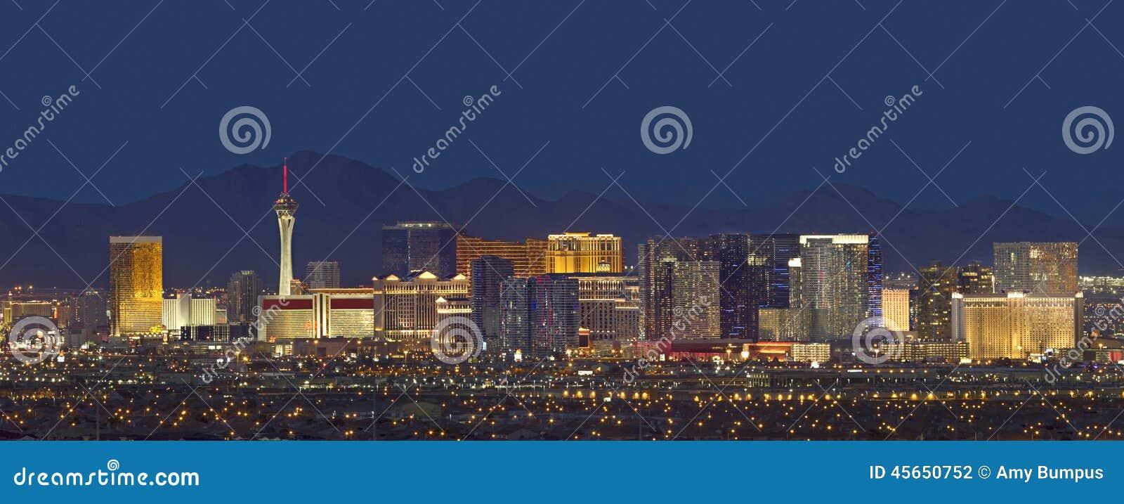 Las Vegas linia horyzontu przy półmrokiem