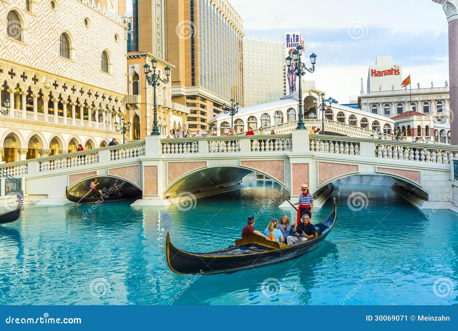 Reproduction de venise d 39 italie las vegas en tant qu for Hotel venise piscine interieure