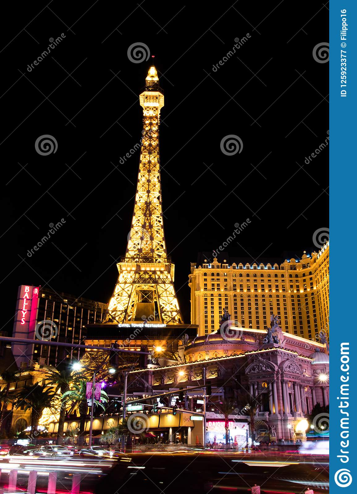Las Vegas Night View: Las Vegas, NV, USA 09032018: NIGHT View Of The Strip With