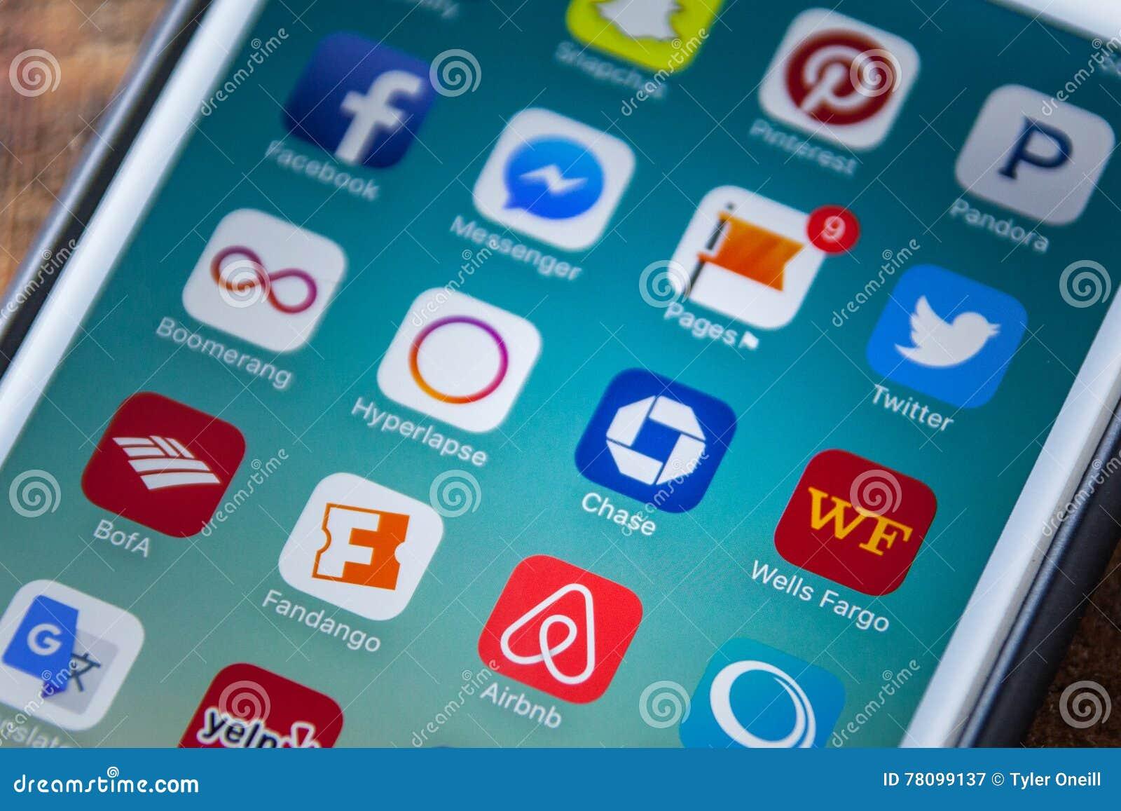 LAS VEGAS, NV - September 22  2016 - Chase Bank App Icon On Apple