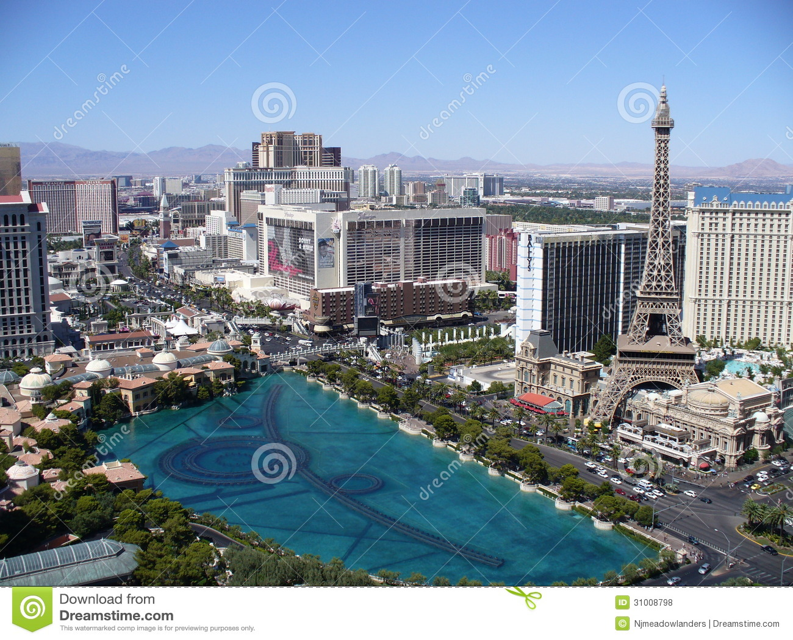 Las Vegas Strip w/ Bellagio Fountain