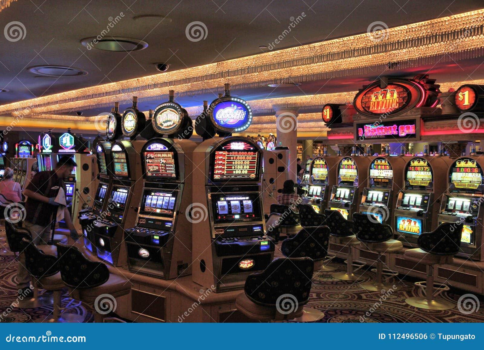 Caesars Casino Slot >> Las Vegas Slots Editorial Photo Image Of North Strip 112496506