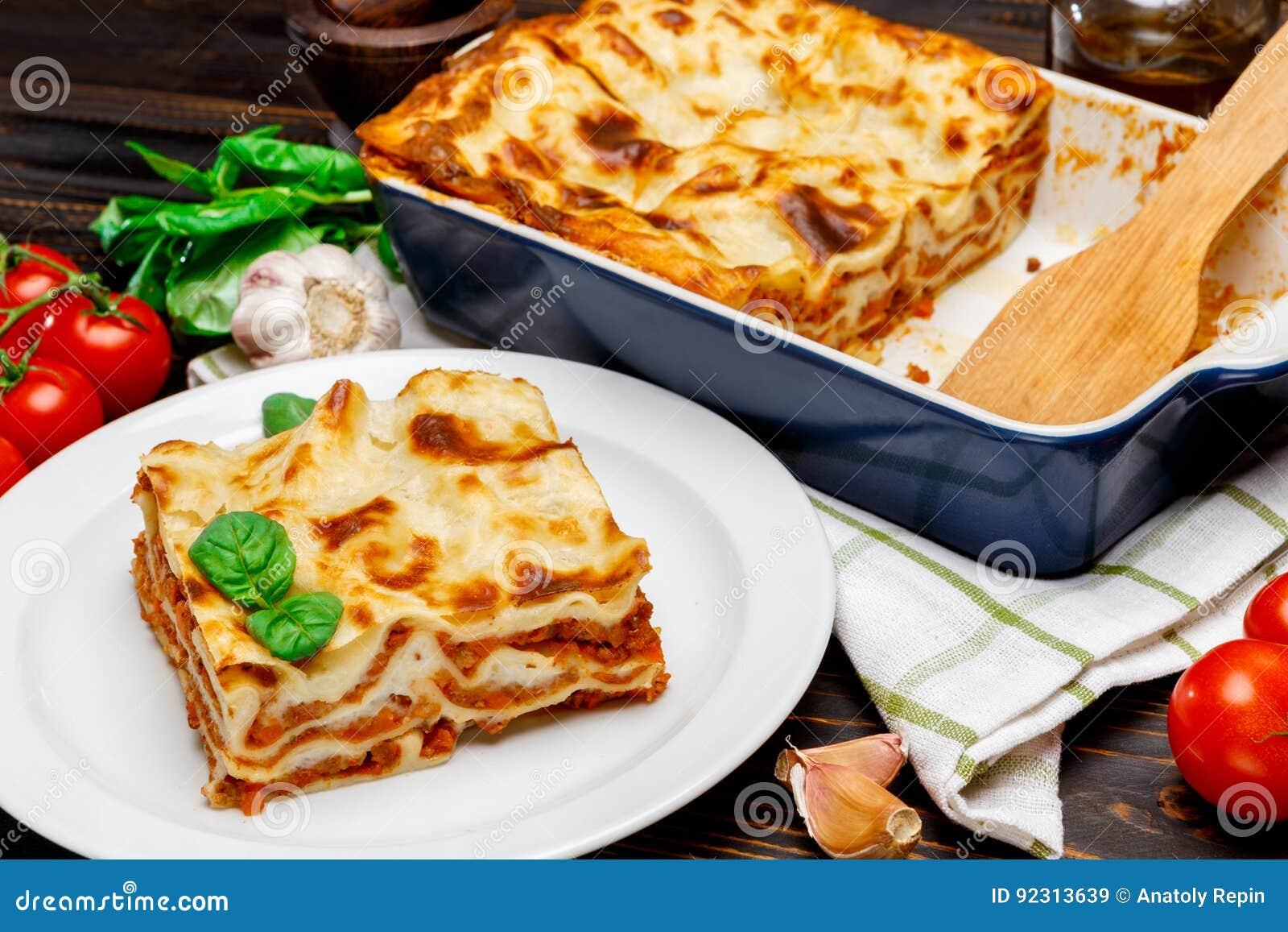 Lasañas en plato de la hornada