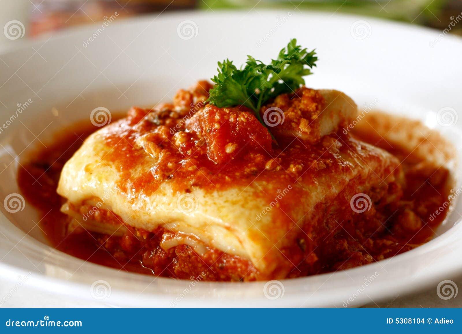 Download Lasagna fotografia stock. Immagine di naughty, cuisine - 5308104