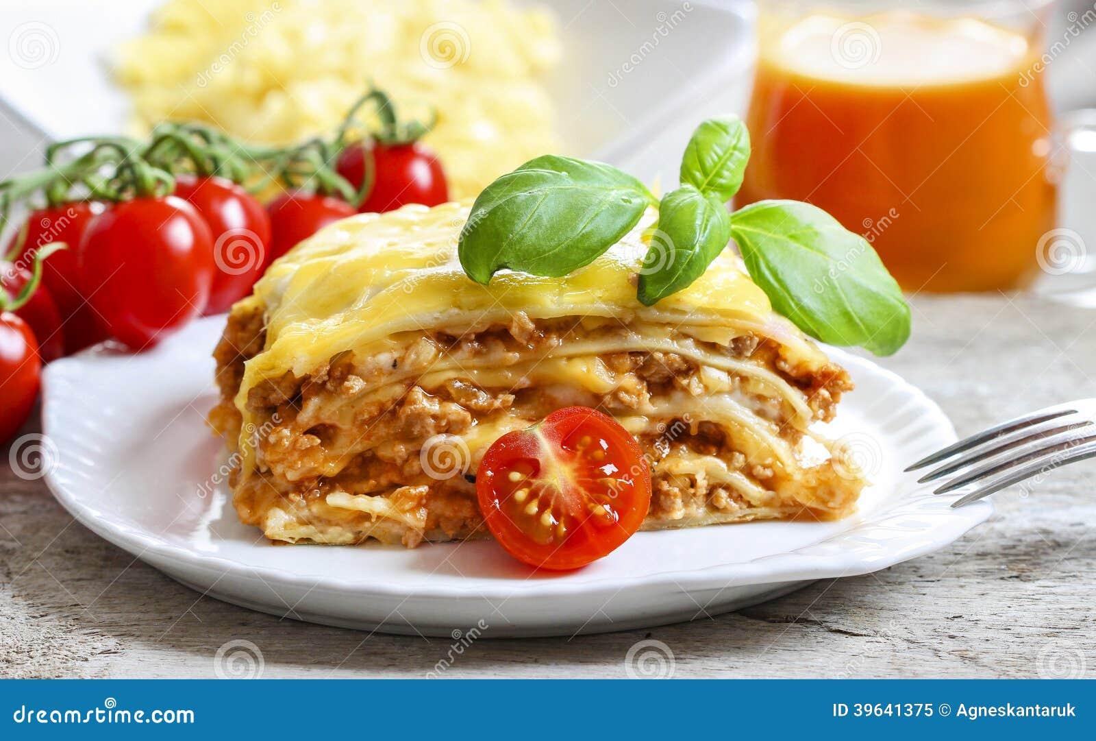lasagne plat italien traditionnel photo stock image 39641375. Black Bedroom Furniture Sets. Home Design Ideas
