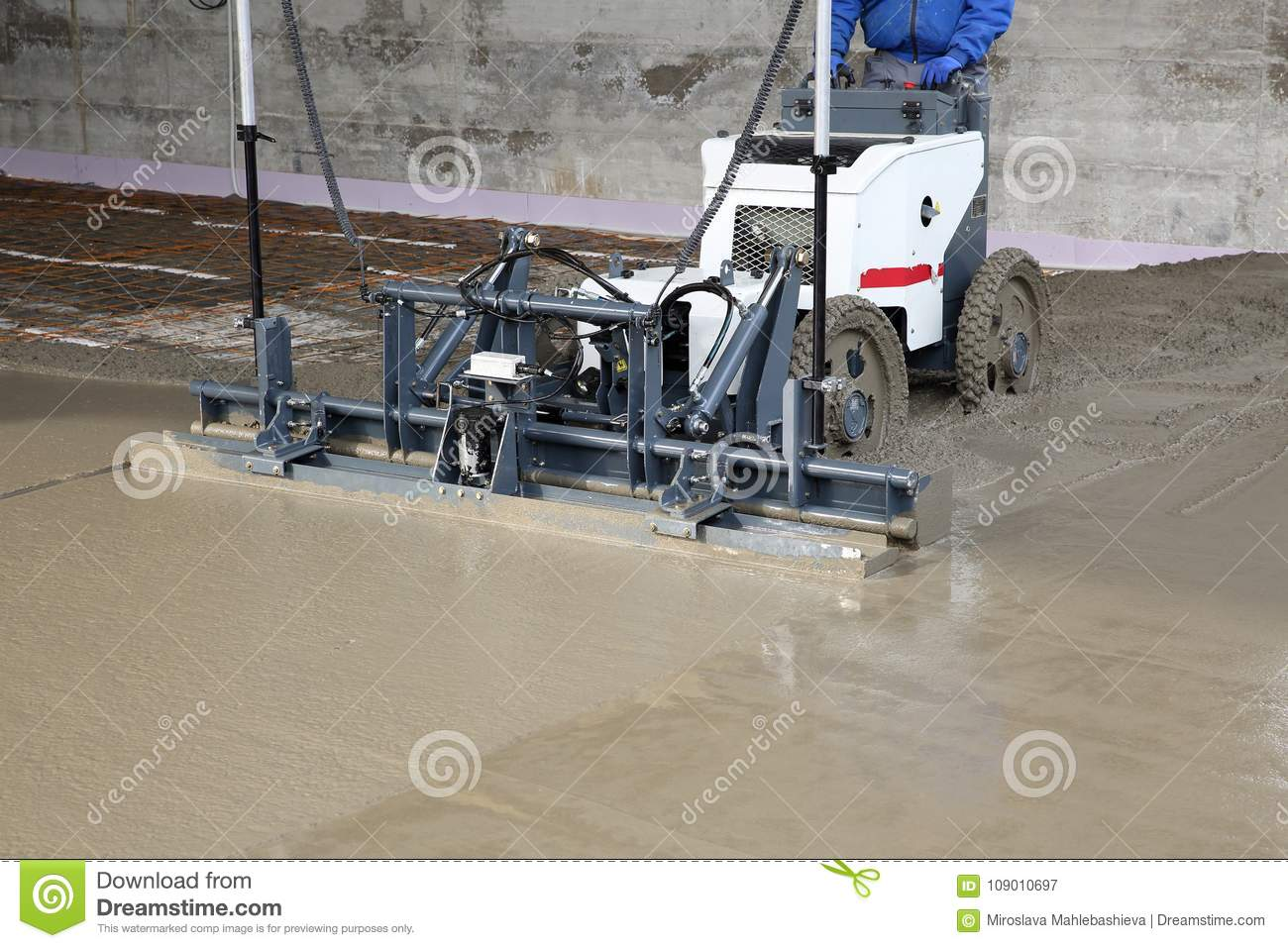 Laser Screed Machine Leveling Fresh Poured Concrete