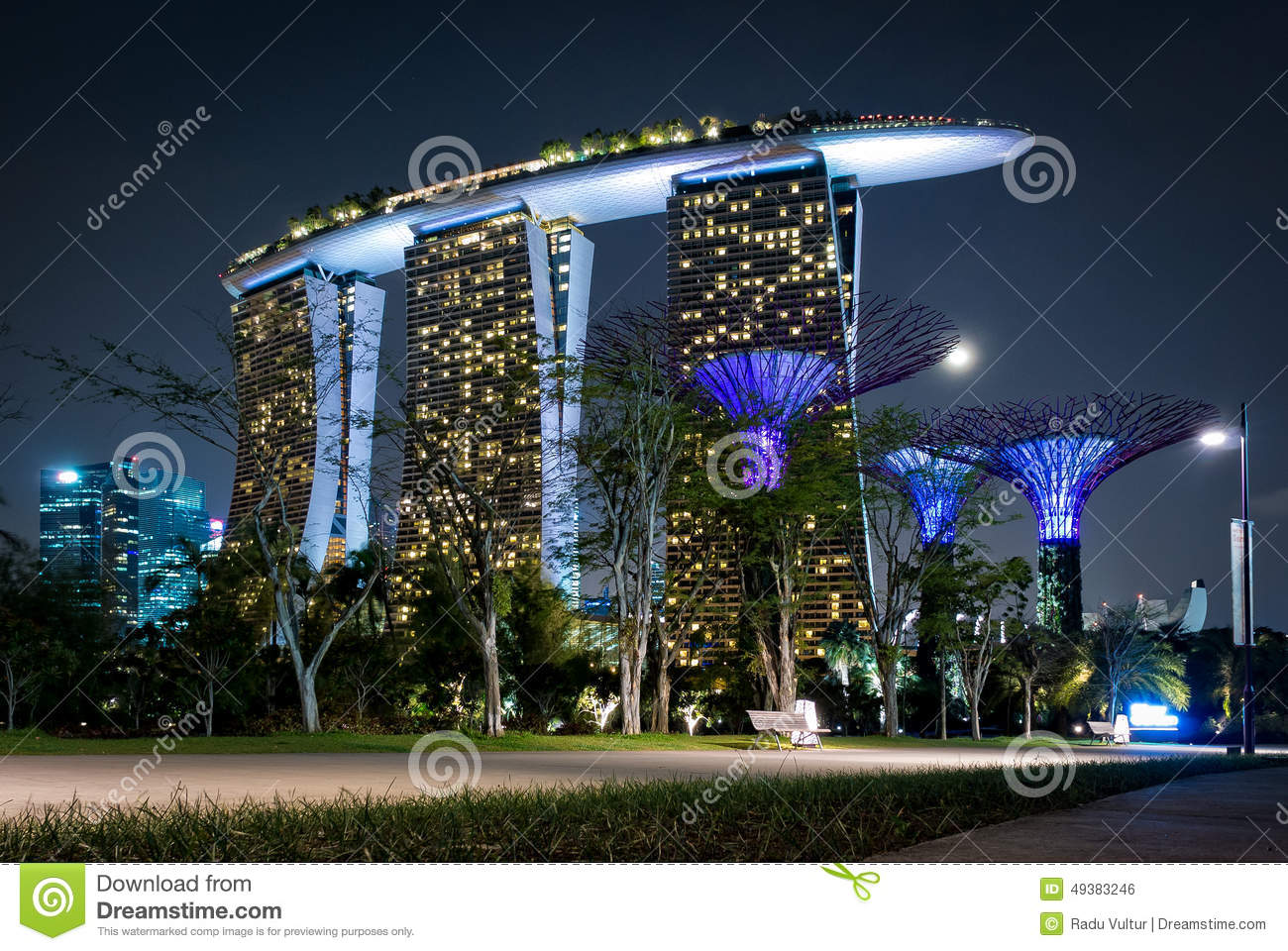 laser show von singapur marina bay sand und garten durch die bucht stockfoto bild 49383246. Black Bedroom Furniture Sets. Home Design Ideas