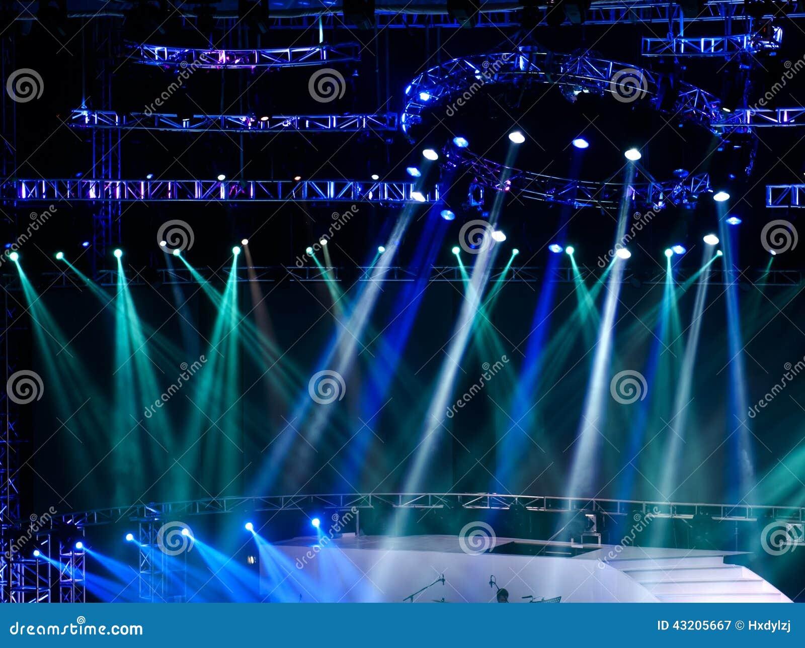 Download Laser-strålar Riktar Uppmärksamheten På Etappen Stock Illustrationer - Illustration av underhållning, exponering: 43205667